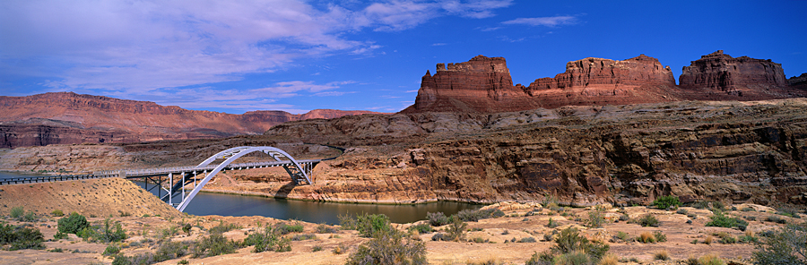 Iron Bridge Lake Powell UT